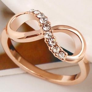 New Beautiful Rose Gold plated ring